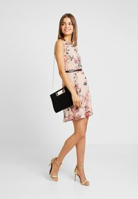 Vero Moda - VMSUNILLA SHORT DRESS - Day dress - sunilla - 1