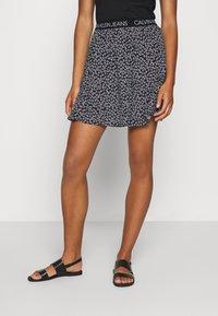 Calvin Klein Jeans - FLORAL SKIRT WITH LOGO TAPE - Áčková sukně - black/white - 0