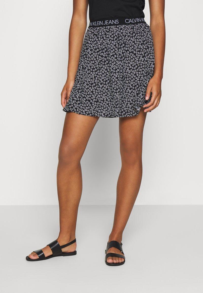 Calvin Klein Jeans - FLORAL SKIRT WITH LOGO TAPE - Áčková sukně - black/white