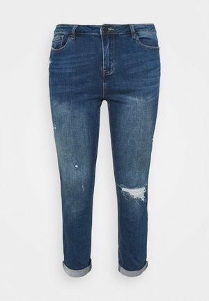 FERN BOYFRIEND - Zúžené džíny - vintage blue