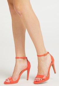 faina - Sandalen met hoge hak - orange - 0