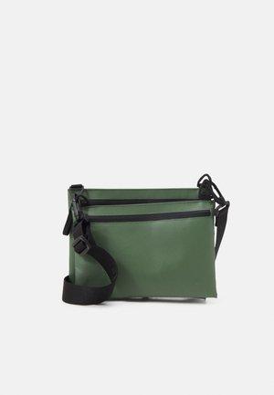 SHOULDER BAG TOLJA SET - Across body bag - olive