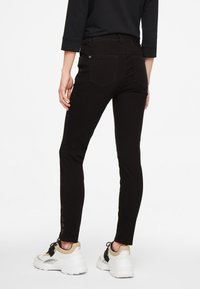 comma casual identity - HOSE LANG - Slim fit jeans - black - 2