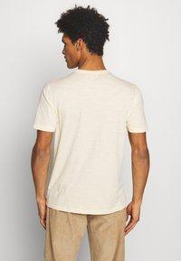 YMC You Must Create - WILD ONES POCKET TEE - T-shirt - bas - ecru - 2