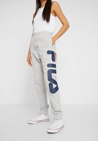 Fila Tall - PURE PANTS - Tracksuit bottoms - light grey melange - 0