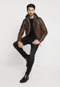 Serge Pariente - ERIC HOOD - Leather jacket - mocca - 1