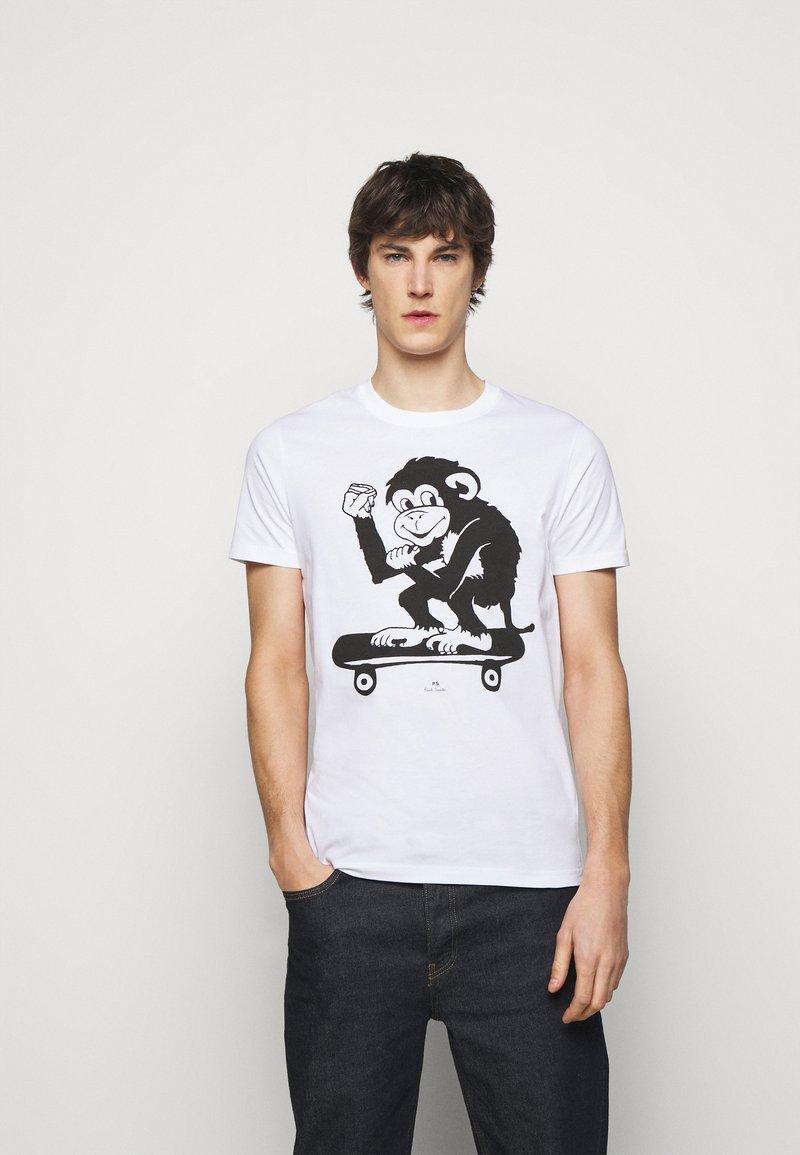 PS Paul Smith - MENS SLIM FIT SKATE MONKEY - Print T-shirt - white