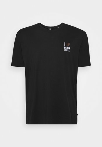 CHEST EMBROIDERY TEE