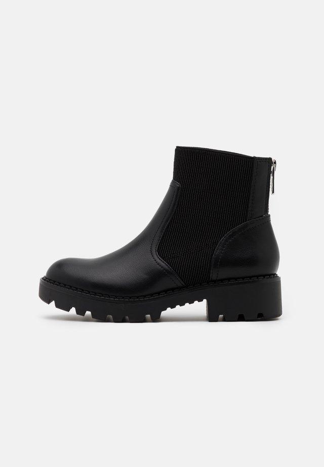 MIKA - Kotníkové boty na platformě - black