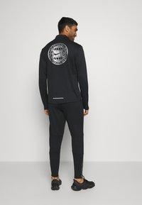 Nike Performance - ELITE PANT  - Pantalones deportivos - black/smoke grey - 2