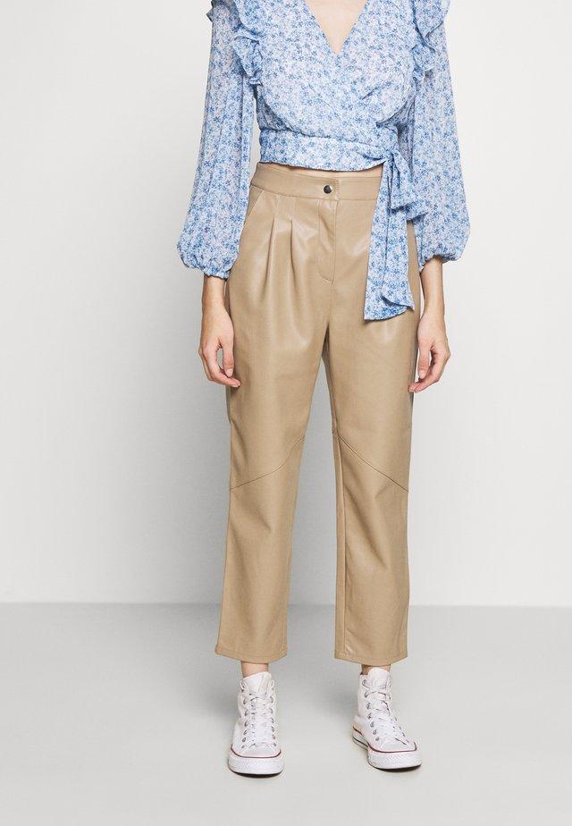 Pantalon classique - caramel