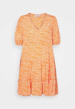 VMOHANNA SHORT DRESS  - Day dress - mandarin orange/ohanna birch