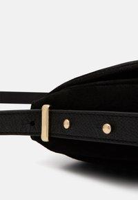 Zign - LEATHER - Across body bag - black - 4