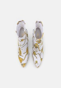 Versace Jeans Couture - Botki - white - 4