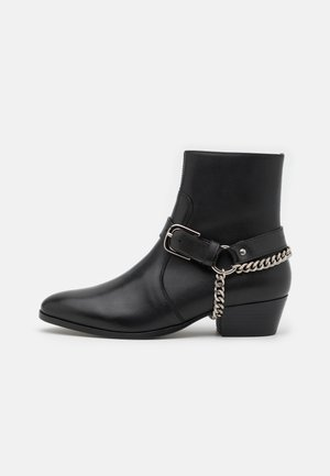 ZIMMERMAN CHAIN BOOT  - Cowboy/biker ankle boot - blackbird