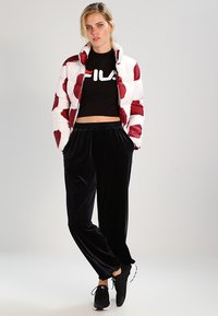 Fila - EVERY TURTLE TEE - T-shirt z nadrukiem - black - 1