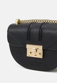Seidenfelt - ROROS MOON - Across body bag - black/gold-coloured - 3