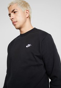 Nike Sportswear - CLUB - Sweatshirt - black/white - 4