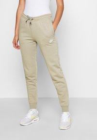 Nike Sportswear - Teplákové kalhoty - mystic stone/white - 0
