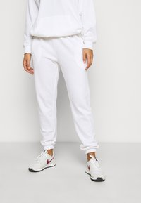 Missguided Petite - HOODIE AND JOGGER SET - Hoodie - white - 3