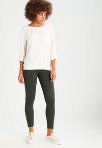 Dr.Denim - DEZIE  - Jeans Skinny Fit - riot green - 1