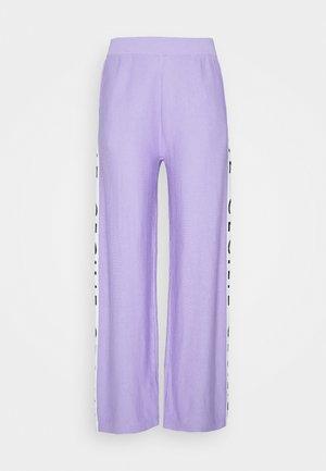 JUTTA - Kalhoty - lavender