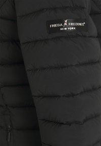 Frieda & Freddies - WOLLMANTEL VENEZIA LEICHT TAILLIERT - Light jacket - black - 2