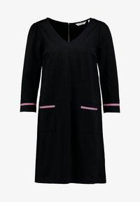 ODELIA - Žerzejové šaty - noir