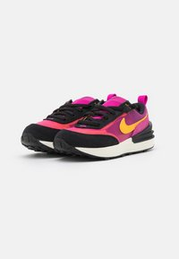 Nike Sportswear - WAFFLE ONE UNISEX - Baskets basses - active fuchsia/university gold/black/coconut milk - 1