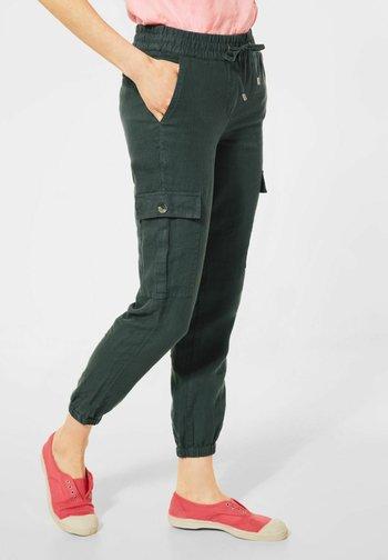 LOOSE FIT - Cargo trousers - grün