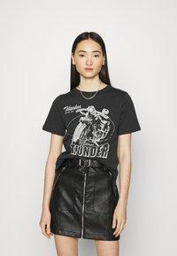 Gina Tricot - IDA TEE - Camiseta estampada - offblack - 0