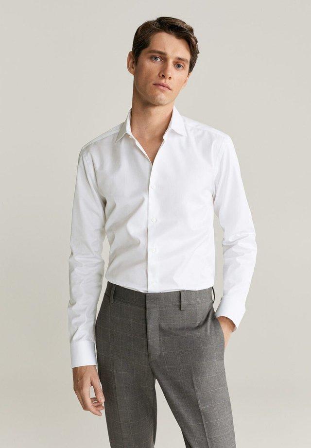 EMERITOL - Skjorte - weiß