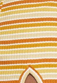Glamorous - MAYA HALTER NECK CROP WITH SKIRT SET - Pencil skirt - yellow rust - 4
