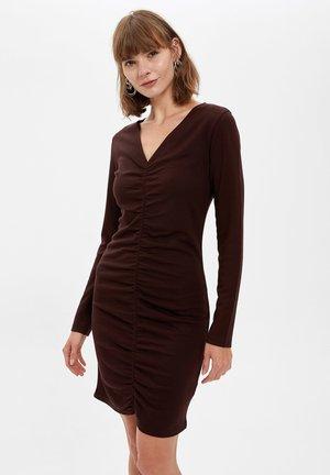 Vestido de tubo - brown