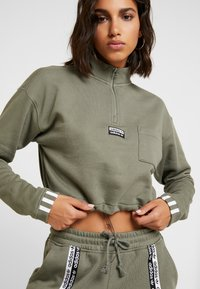 adidas Originals - CROPPED - Mikina - legacy green - 6