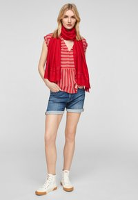 s.Oliver - Scarf - red - 0