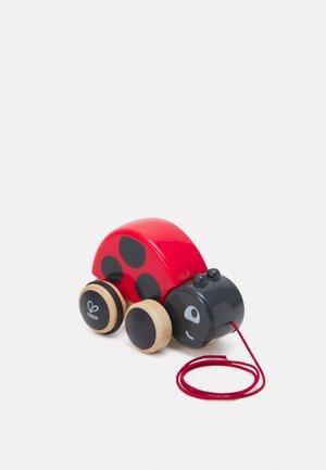 NACHZIEHKÄFER MARIE UNISEX - Wooden toy - red/black