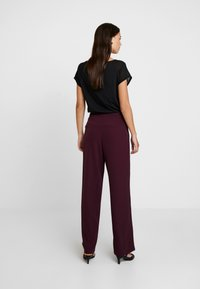 Anna Field - Trousers - winetasting - 3