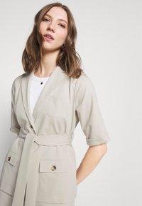 Fashion Union - STEAM - Blouse - taupe - 3