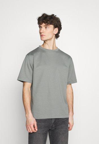 T-paita - grey medium