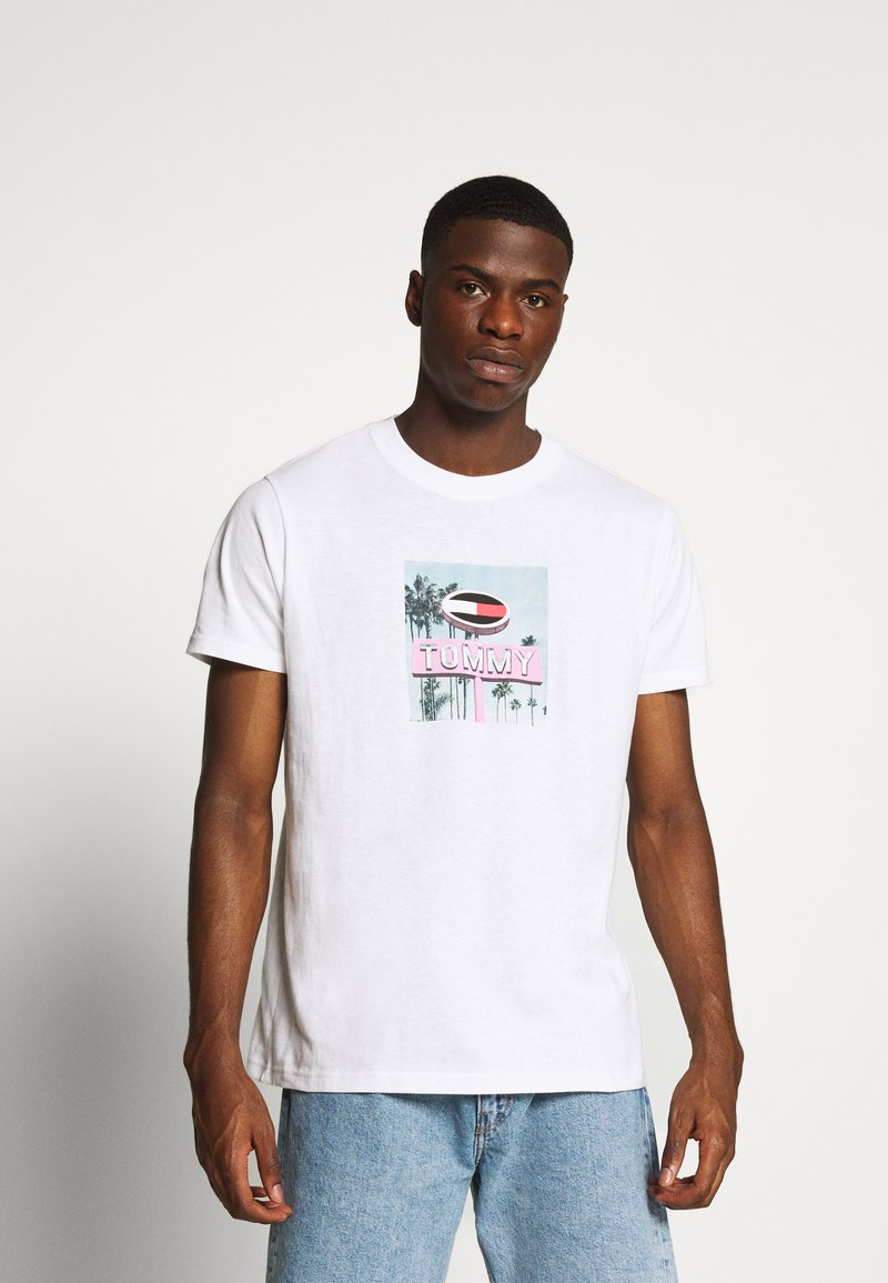 Tommy Jeans - PHOTO TEE - Print T-shirt - white