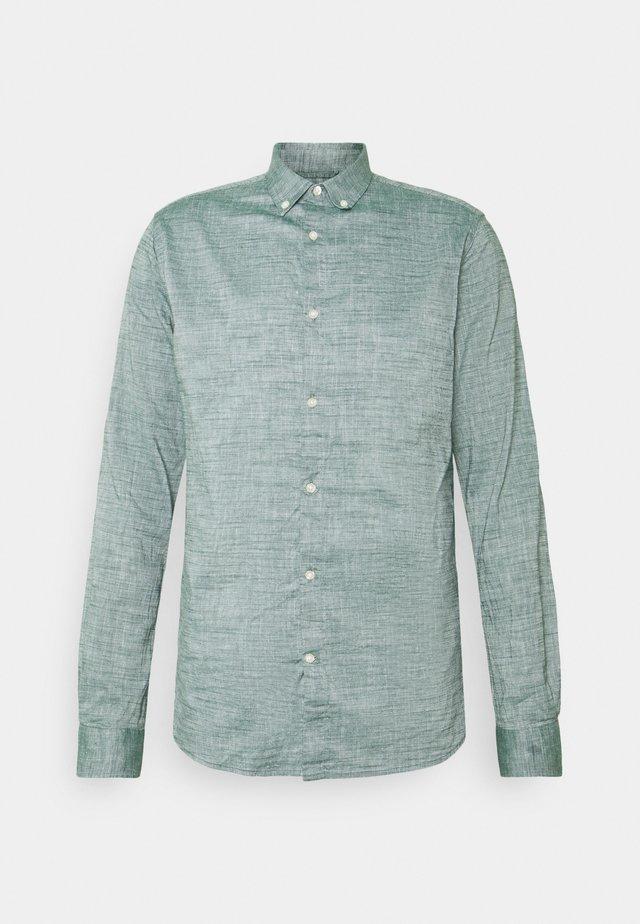LARCH  - Košile - pineneedle