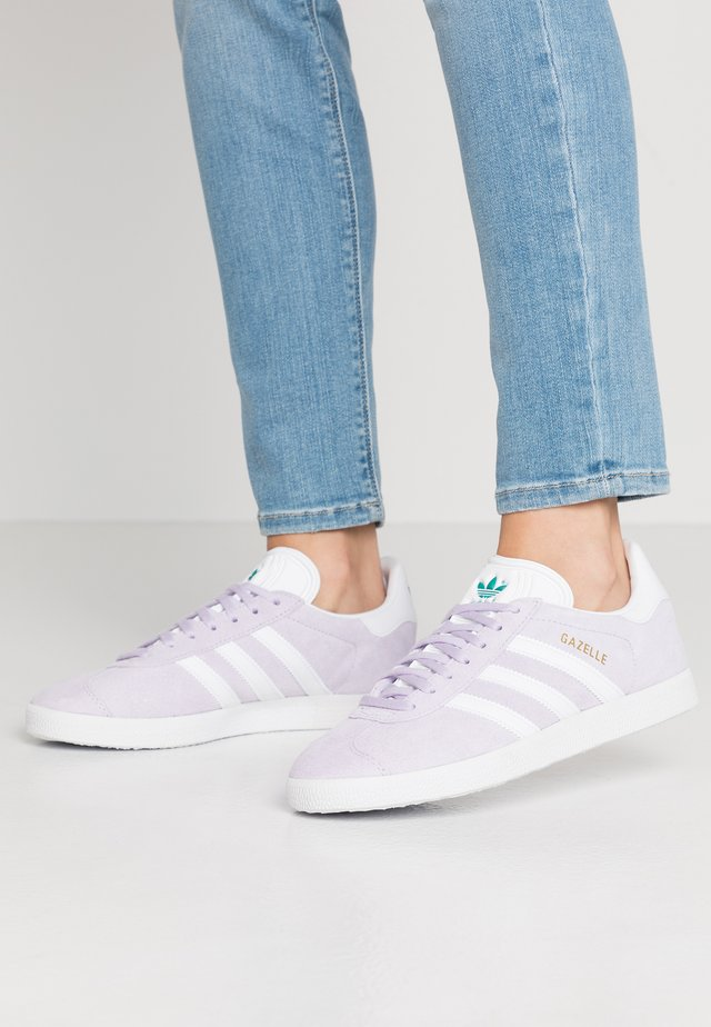 GAZELLE - Sneakers laag - purple tint/footwear white/glacier green