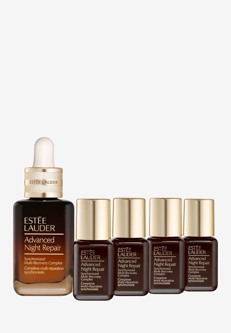 Estée Lauder - ADVANCED NIGHT REPAIR ALWAYS ON SET - Skincare set - -