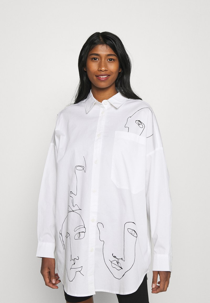 Monki - Skjortebluser - white carry faces