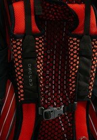 Osprey - EXOS 38 - Reseryggsäck - blaze black - 9