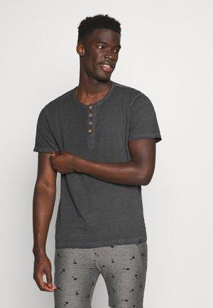 KESWICK - Basic T-shirt - black