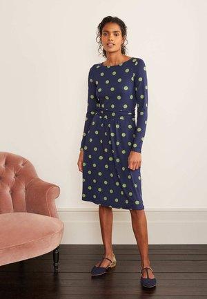 ABIGAIL - Jersey dress - navy/feldgrün, lineare tupfen