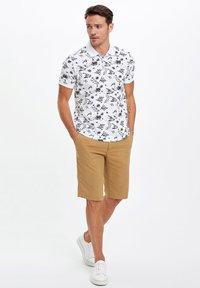 DeFacto - Shorts - brown - 1