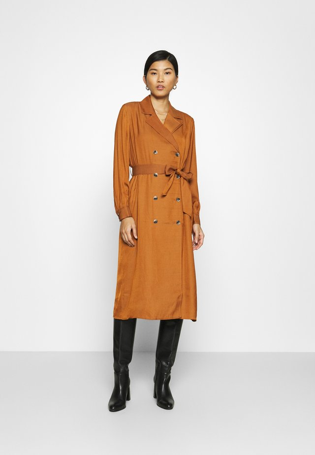 MIDI TRENCH DRESS - Shirt dress - sand shell